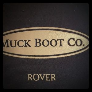 Muck boots kids size 1